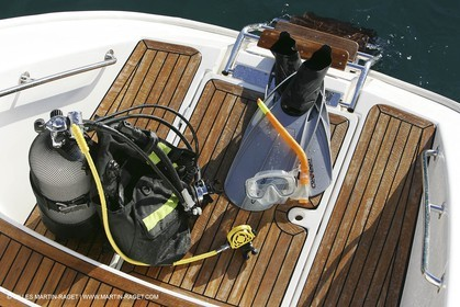 Subdiving equipment