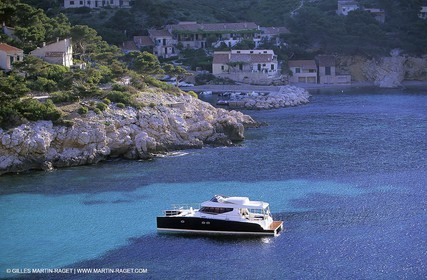 H20 Yachting catamaran in Sormiou creek