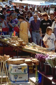Arles - saturday market