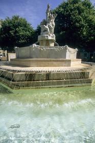 Marseille historical heritage (check keywords for more infos) Fontaine Réformés