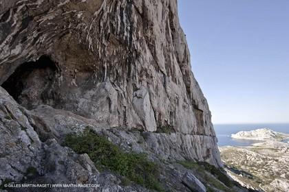 18 04 2009 - Marseille (FRA, 13) - Les Calanques - St Michel d'Eau douce cave