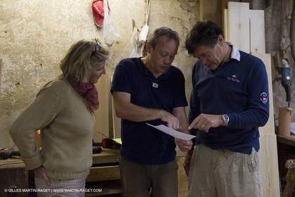 5 11 2011 - Marseille (FRA,13) - Alcyon - construction - Marc and edith Frilet meet Daniel Scotto in his workshop
