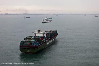 01-11-2010 - FOS (FRA,13) - Grêve du Port Autonome de Marseille - 01 11 2010 - FOS (FRA,13) Commercial Port on strike