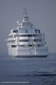 Super Motor Yachts, Lady Moura