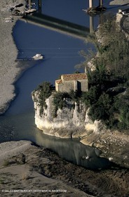 Mirabeau bridge chapel