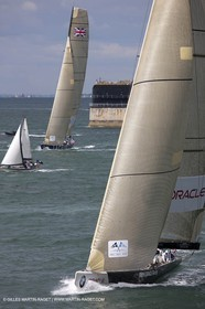 05 08 2010 - Cowes (UK, IOW) - The 1851 Cup -  BMW ORACLE Racing -  - Round The Island Race - Rounding No Man's Land fort.