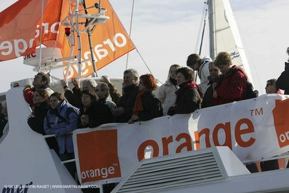 Orange II - 2005 Jules Verne Trophy finish - Brest - On shore - Public