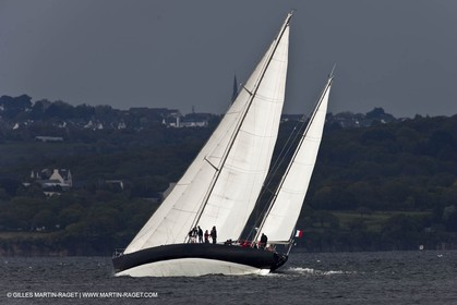 19 05 2010 -  Lanveoc Poulmic (FRA,29) - French Navy School Grand Prix - Pen Duick VI