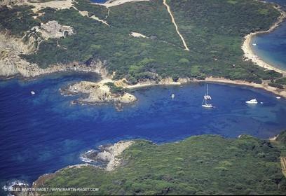 Porquerolles - plage et mouillage du Langoustier