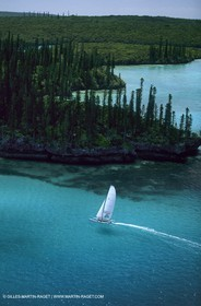 New Caledonia long distance sailing, Pine Island