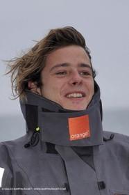 Trophée Jules Verne - Lorient - 30 12 04 - Orange II - Entraînement - A bord - Nicolas de Castro