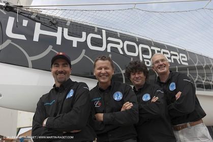 18 04 2012 - La Ciotat (FRA,13) - L'Hydroptère en préparation - Présentation du  nouvel équipage - Luc Alphand, Alain Thébault, Jean Le Cam, Yves Parlier
