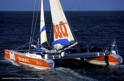 Kingfisher II - Jules Verne Trophy 2002 start - Brest