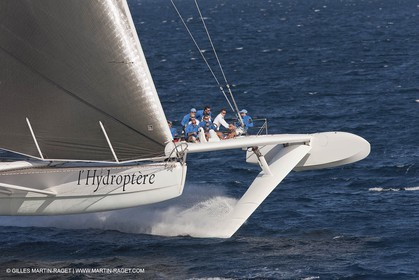 05 09 2009 - Hyères (FRA, 83) Hydroptère beat the overal sailing speed record with a run at 51,36 knts ( subjet to ratification by WSSRC)