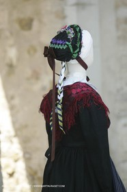 May 2004 - La Tour d'Aigues (FRA, 84) - Old costumes for women of the South exhibition