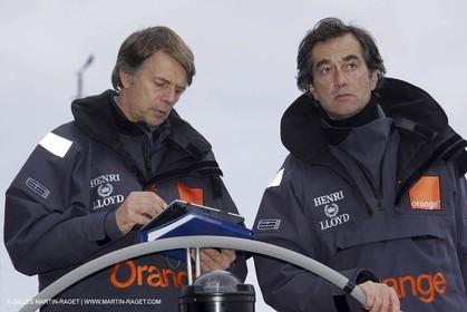 Orange II - Jules Verne Trophy 2005 - Traning Lorient Bruno Peyron + Roger Nilson