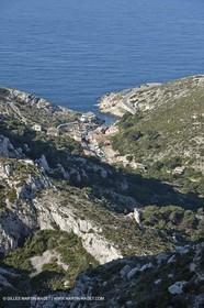 18 04 2009 - Marseille (FRA, 13) - Les Calanques - Callelongue depuis la grotte St Michel*