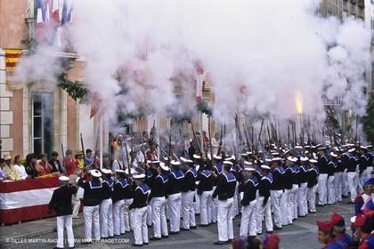 Villes et Villages - Var - 83 - Saint Tropez - Bravade