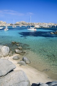 Destination - France - Corsica - Iles Lavezzi