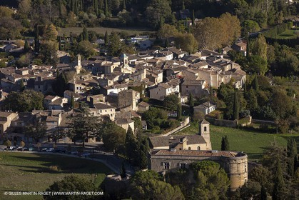 29 10 2012 - Lourmarin (FRA,84) - Luberon  seen from above