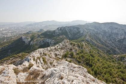 10 09 2009 - Marseille (FRA, 13) - Les Calanques - Massif de Marseilleveyre - at the top, looking east