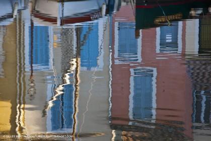 14 03 2012 - Martigues (FRA,13) - neighborhood Le Miroir (the mirror)
