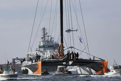 Orange II - 2005 Jules Verne Trophy finish - Brest - On shore