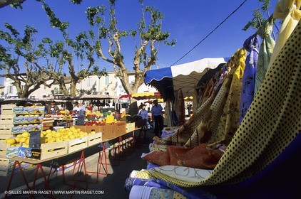 Saturday morning market in Saint Gilles (Gard)