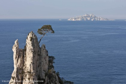 20 03 2009 - Marseille (FRA, 13) - Les Calanques - Pic de l'Eissadon and devenson cliffs