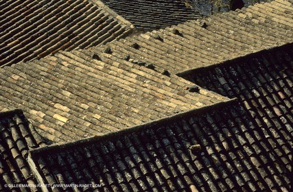Ménerbes roofs