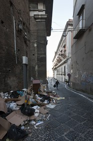 24 02 2012 - Naples (ITA) - 34th America's Cup - America's Cup World Series Naples 2012 - Naples Preview - Naples hisrtoric center streets