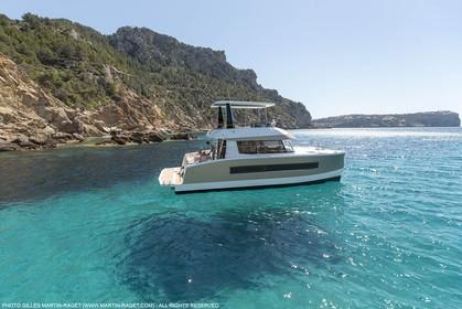 08 04 2015, Andraitx (Isla de Mallorca, Islas Baleares, ESP), Chantier Fountaine-Pajot, Motor Yacht 37