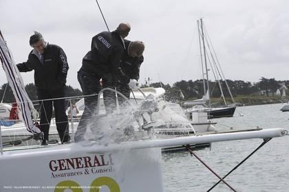11 05 2007 - La Trinité sur Mer (France) - Zinedine Zidane christen General, french sailor Yan Elies new 60 open monohull for Vendée Globe
