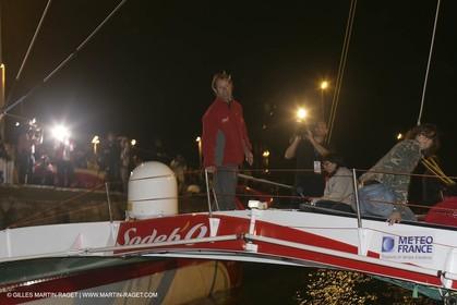 27 10 2006 - Saint Malo (FRA) - Route du Rhum 2006 - Thomas Coville - Sodeb'O - Lock passage