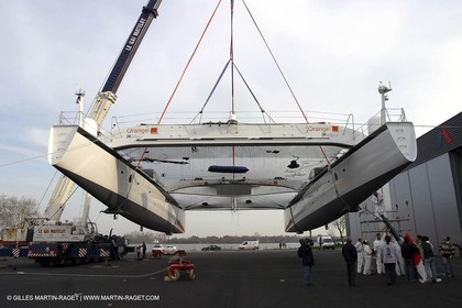 Vannes - Multiplast Boatyard - Orange II 1st going in the water