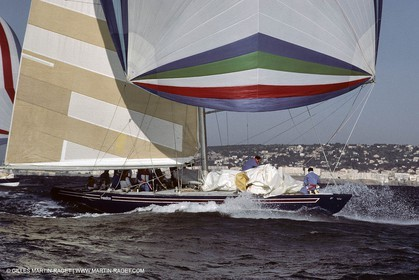 America's Cup, Fremantle 1987, French Kiss, Freedom sailing off Sète