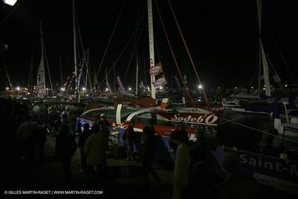 27 10 2006 - Saint Malo (FRA) - Route du Rhum 2006 - Dock ambiances