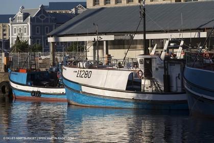08 11 2014, Capetown (ZAF), Volvo Ocean Race 2014-15, Team Alvimedica, Nursing the boat