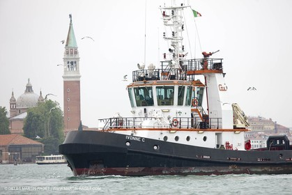 14505 2009 - Venezia (ITA) -  BMW ORACLE Racing - Ishares Cup -Day 1