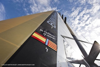 06 02 2010 - Valencia (ESP) - 33rd America's Cup - BMW ORACLE Racing - Day off 1 - Getting the yacht ready