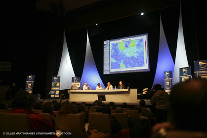 27 10 2006 - Saint Malo (FRA) - Route du Rhum 2006 - Thomas Coville - Skippers briefing