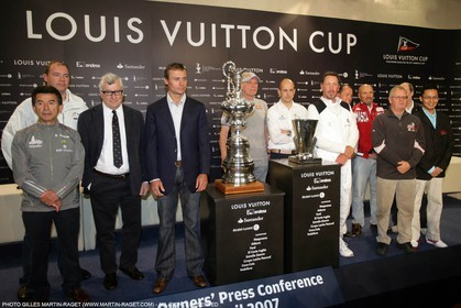 15 03 2007-Valencia (Spain)- 32nd America's Cup - Louis Vuitton Cup - RR1 - Heads of syndicate press conference