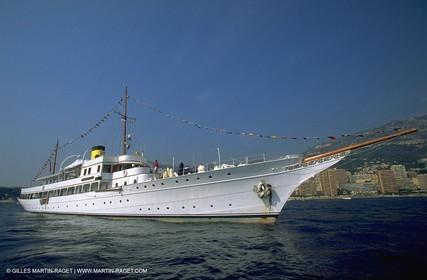 Poawer boats, Classic Motor yachts, Savarona