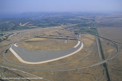 France, Provence, Plaine de la Crau, centre d'essais BMW