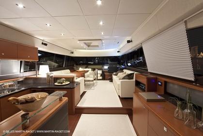 12 09 2009 - Cannes (FRA,06) - Chantier Jeanneau - Prestige 60