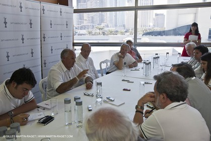 25 11 2010 - Dubai (UAE) - 34th America's Cup - Media Round Table with Ian Murray and Richard Worth