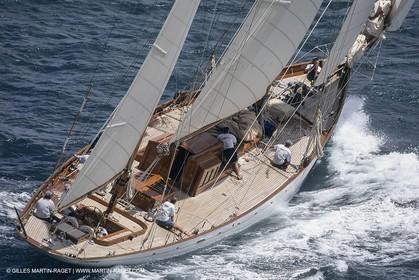 Classic Yachts, Belle Aventure