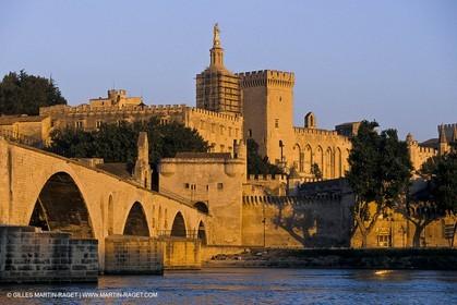 Avignon (FRA,84) - Saint Bénézé and popes palace