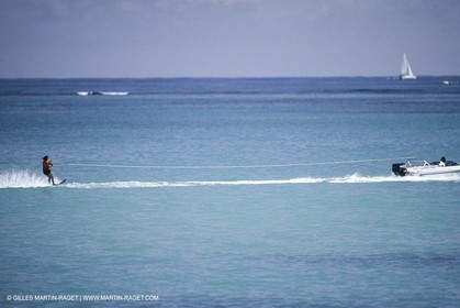 Watersports, waterskiing, ski nautique, wakeboarding,