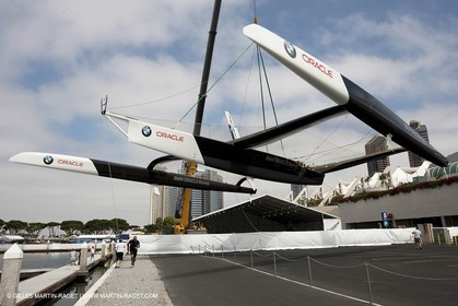 05 07 2009 - San Diego (USA,CA) -33rd America's Cup - BMW ORACLE Racing - Launching of the newly modified BOR 90 trimaran